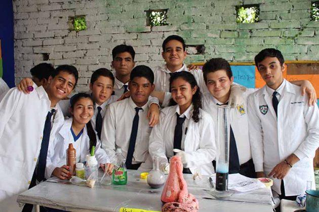 Alumnos del 3° Semestre de Preparatoria.