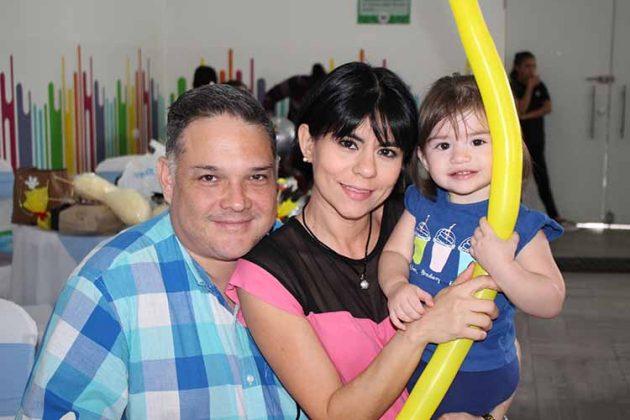 Pablo Nettel, Ofelia Gordillo, Anna Paola.