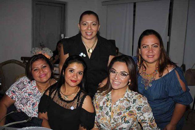 Pahola Velázquez, Karla Salgado, Marisol Sorto, Valery Bravo, Liliana Zuñiga.