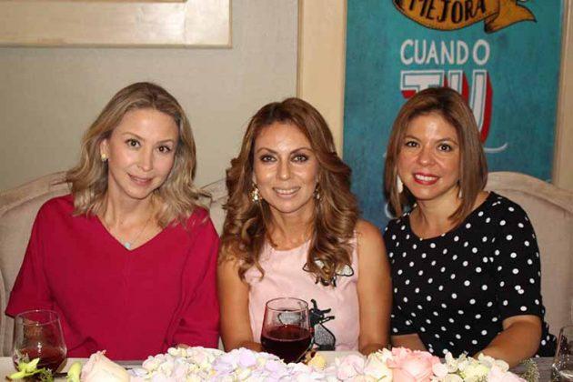 Lluvia de Navarro, Martha de Pérez, Beba de Melgar.