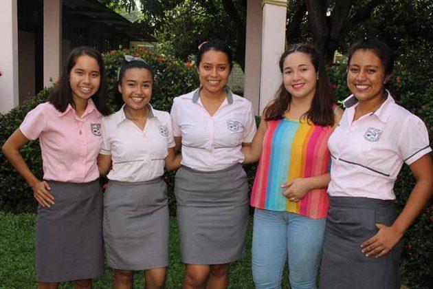 Yaira Fuentes, Alejandra Valenzuela, Andrea Arévalo, Ale Escobar, Alejandra Álvarez.