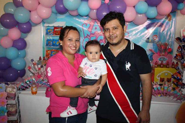 Marcia de León, Karol, Marco Márquez.