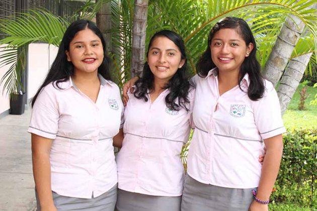 Stephanie Reyes, Karen Reyes, Jazmín Rodríguez.