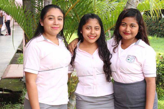 Yamilet Torres, Roselia Sales, Yaneth Santos.