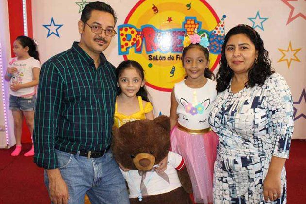 Luis, Yolanda, Alicia Domínguez, Alicia Rangel.