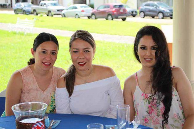 Gabriela Simonín, Mariana Cisneros, Alina Candia.