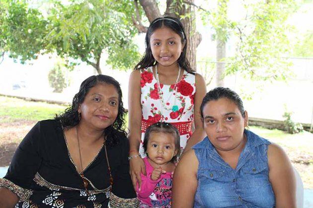 Areli, Emeli, Karen Marroquín, Verónica Martínez.