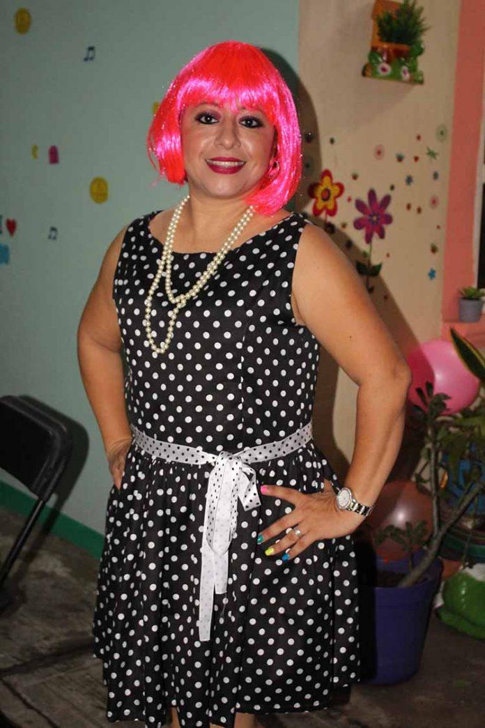 Laura Pombo.