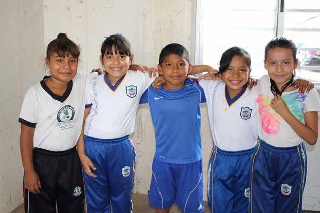 Esmeralda Mijangos, Osmara Hernández, César Martínez, Fátima Jiménez, Ximena Méndez.