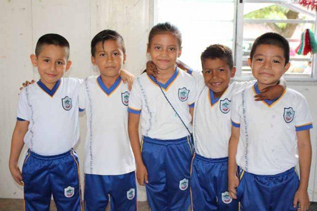 Etni Ramírez, Víctor Ramos, Naomi Ramos, Pedro Pérez, Fernando Pérez.