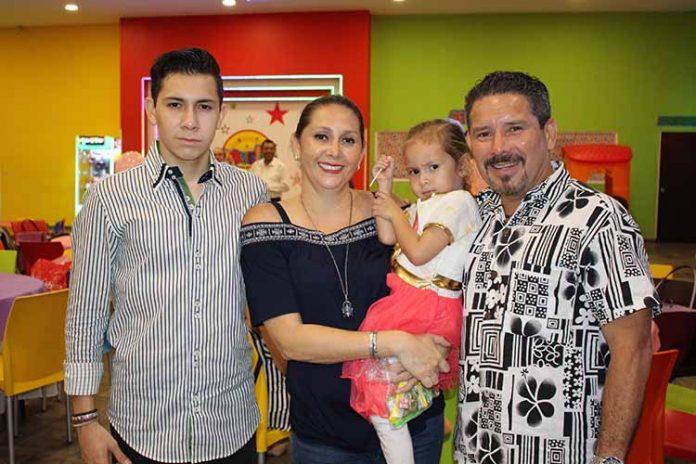 Diego, Adriana, Analía, José Domingo Pérez.