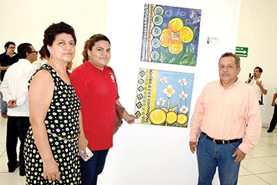 Olga Espinosa, Esmeralda González, Marco González.
