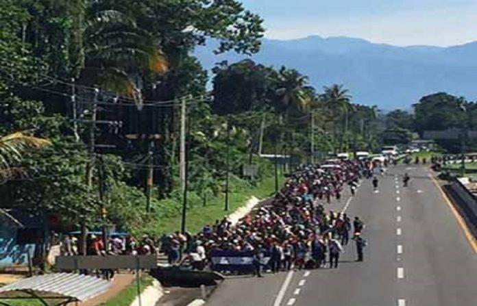 Continúa Éxodo de Migrantes a Tapachula; Arriba Caravana Procedente de El Salvador a Suchiate