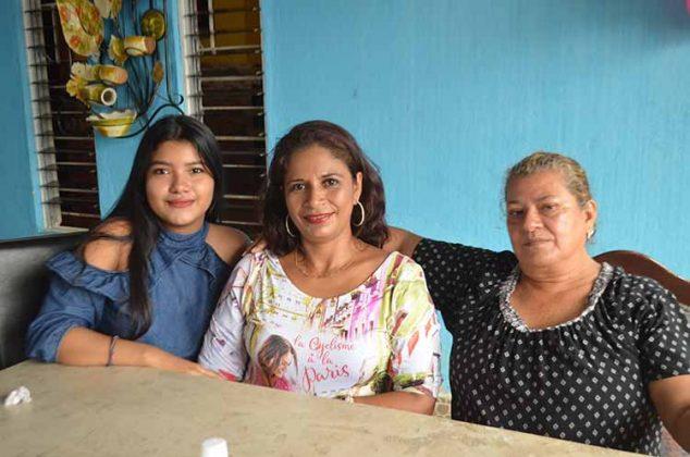 Karina Vázquez, Betty, Marisela Ortiz.