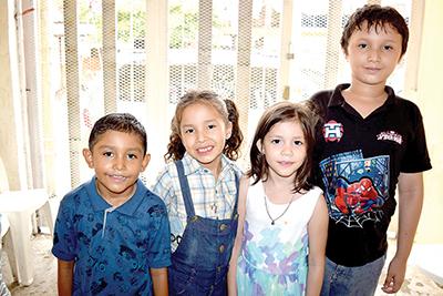 Jorge García, Victoria García, Erika Herrera, Lisbeth Coutiño, David Arellano, Axel Arellano.