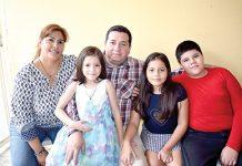 Familia Mikery Martínez.