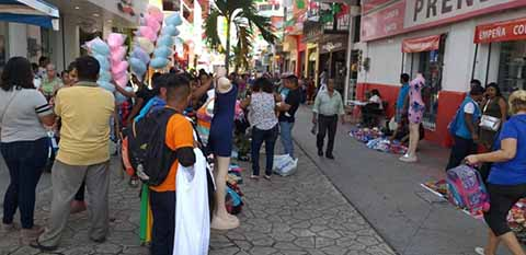 Piden Reubicación Ordenada de Vendedores Ambulantes