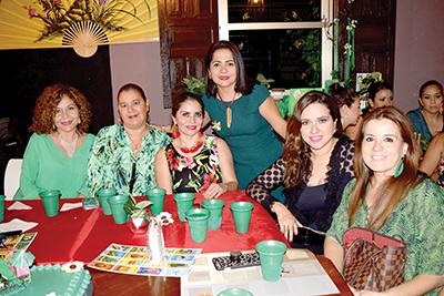 Magui Díaz, Concy Pedredo, Karina López, Liliana Constantino, Mirza Mendoza, Carmenchu Morales.