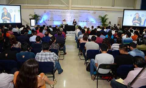 Ministra Margarita Luna Expone Ponencias Sobre Genético