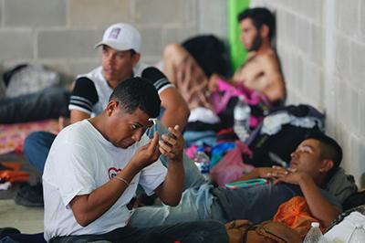 Avala EU Envío de más Tropas a la Frontera con México Para Contrarrestar a Caravana Migrante