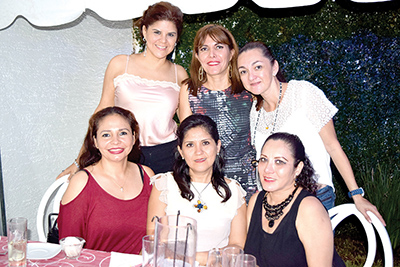 Frida Schlamme, Mary Carmen González, Piri Lazos, Antonia Aguiar, Denice López, Cristy Leal.