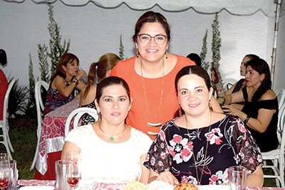 Juany Acosta, Aracely Morales, Mónica Pacheco.