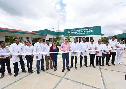 Inaugura Velasco Centro de Salud en Chapultenango