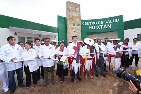 En Huixtán, Entrega MVC Centro de Salud de Primer Nivel