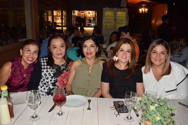 Claudia Rodríguez, Ele de Cintora, Karina Ochoa de Mak, Carmenchu de Matus.