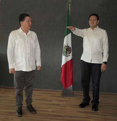 Protesta Como Nuevo Secretario de Pesca y Acuacultura, Enrique Zamora Morlet, Ante el Secretario General de Gobierno Mario Carlos Culebro