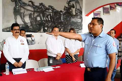 Iván Estrada Rosales Nuevo Mando del Cuerpo de Bomberos