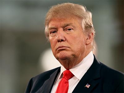 Donald Trump Evalúa Nuevo Plan de Separación de Familias en la Frontera