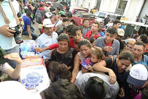 Central Campesina Entrega Víveres a Caravana Migrante