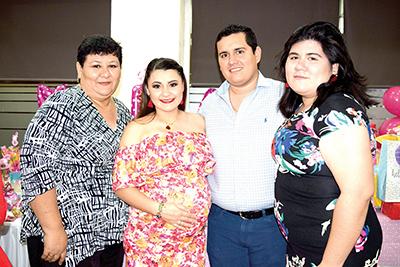 Alicia Huerta, Zelmira García, Samuel Siles, Belén Siles.