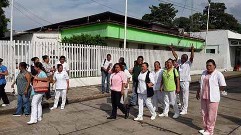 Se Declaran en Paro más de 400 Trabajadores del Hospital de Huixtla