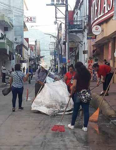 Más de 50 Toneladas de Basura Quedó de la Caravana de Migrantes en Huixtla