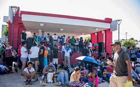 Más de Tres Mil Migrantes de la Caravana Retornarán a Honduras; El Resto Continuará hoy su Travesía a EU