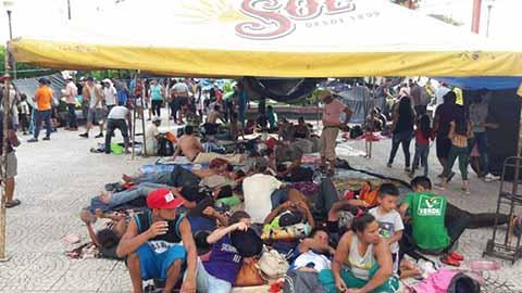 Los migrantes se preparan para emprender el recorrido más largo de la geografía chiapaneca, 72 kilómetros.