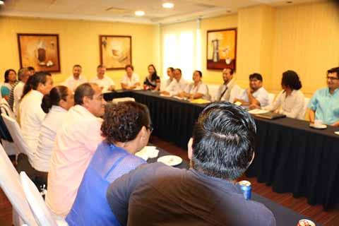 Funcionarios de SEGOB Sostienen Reunión con Organizaciones Sociales