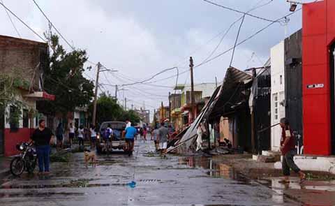 """Más de Mil 800 Damnificados Deja el Huracán """"Willa"""" a su Paso por 5 Estados"""