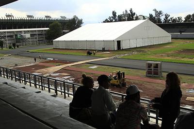 Gobierno de la CDMX Alista Estadio Azteca Para Recibir a Caravana Migrante