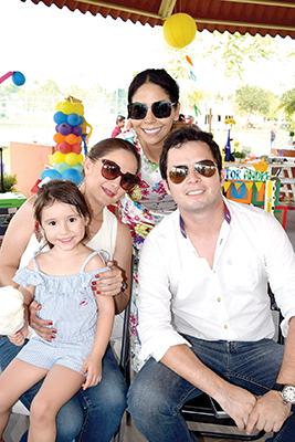 Rebeca Robledo, Fátima Ferreti, Carlos Zepeda, Gaby Domínguez.