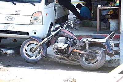 """Banda """"Los Pañales"""" Balea a Joven Para Robarle su Motocicleta"""