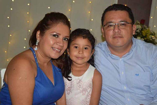 Brenda Modeno, Regina, Manuel Barrancos.