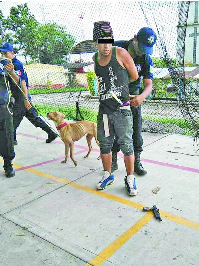Capturan a Hombre Armado Frente al Parque