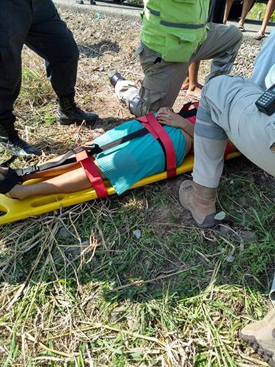 Dos Mujeres Lesionadas al Caer a un Canal de Riego