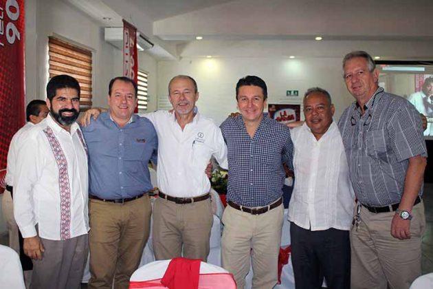 Ildefonso Ochoa, Rafael Rojo, Antonio D´Amiano, Antonio Toriello, Moisés Arriola, Luis Guizar.