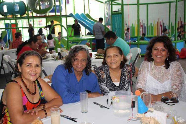 Ana Barragán, Luis Sumuano, Alma, Claudia Barragán.