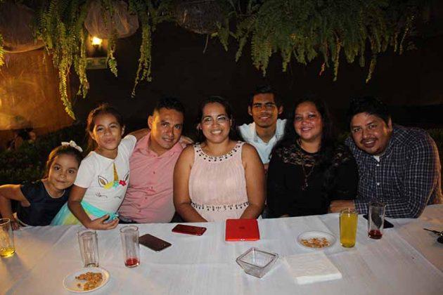 Mónica Ochoa, Moriah López, Pablo López, Paty Rivera, Cory Valdivia, Gustavo Díaz, Marco Rivera.