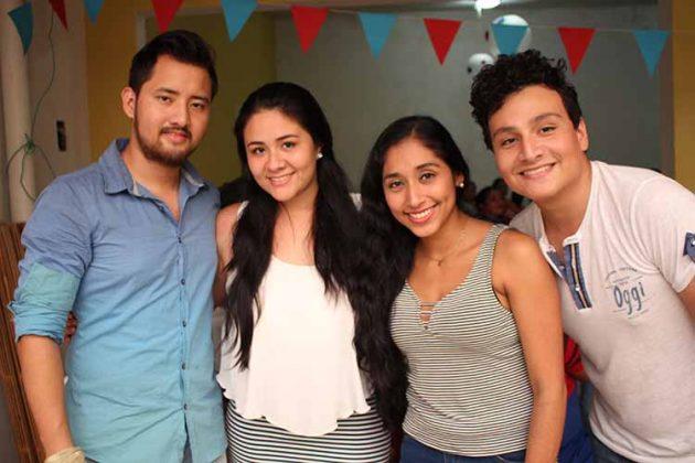 Luis Ley, Paulina Navarro, Karime Feliciano, Paulino Navarro.